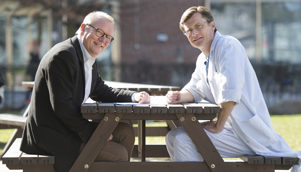 Claes Karlsson, programdirektör för PCM-programmet och Matthias Löhr, överläkare och professor vid Karolinska Institutet.
