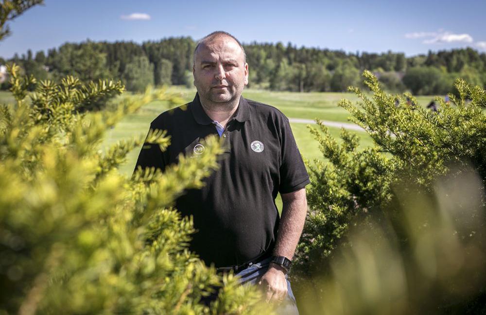 Johan Dagerhamn har överlevt två olika cancersjukdomar. Nu är hans stora mission att hjälpa andra drabbade och deras anhöriga.