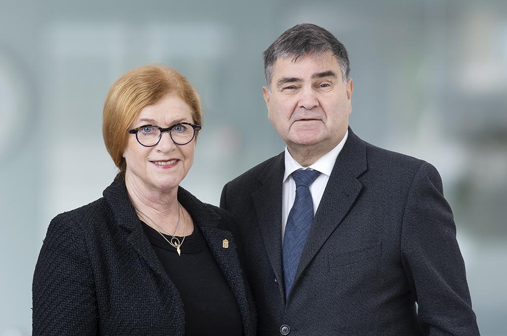 Cecilia Schelin Seidegård, ordförande Stiftelsen Konung Gustaf V:s Jubileumsfond och Olle Stenman, ordförande Cancerföreningen i Stockholm.