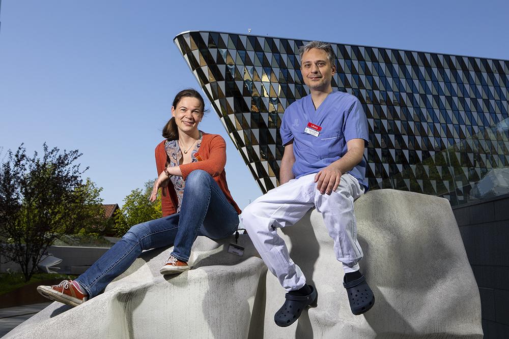 Tema Cancer bedriver sin verksamhet huvudsakligen i Huddinge och Solna, men har även verksamhet på Danderyds sjukhus. Vårt nära samarbete med Karolinska Institutet gör att vi även kan bedriva omfattande patientnära klinisk forsknings- och utbildningsverksamhet.